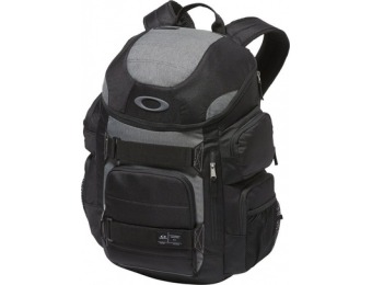 $33 off Oakley Enduro 30L Laptop Backpack - Blackout