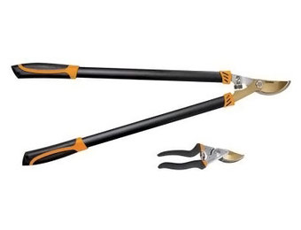 Deal: Fiskars Titanium Bypass Lopper & Pruner Set