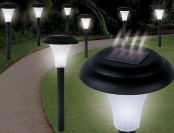 Garden Creations Solar-Powered LED Accent Light, Set of 8